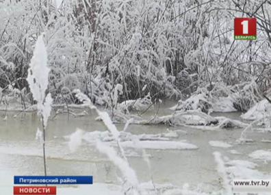 В Петриковском районе паводковые воды затопили два участка дорог У Петрыкаўскім раёне паводкавыя воды затапілі два ўчасткі дарог