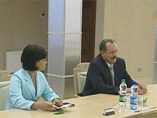 Беларусь и Куба готовы активизировать сотрудничество Беларусь і Куба гатовыя актывізаваць супрацоўніцтва Belarus and Cuba ready to develop cooperation