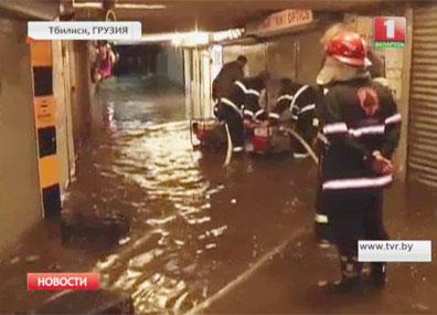 В Грузии растет число жертв наводнения в Тбилиси