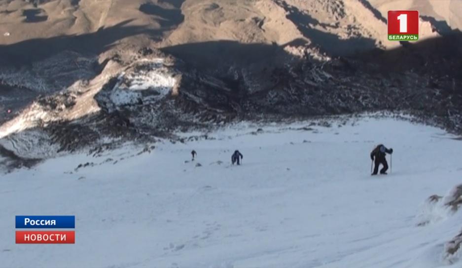 Российские спасатели доставили тело белорусского альпиниста, который погиб на горе Укю, в Нальчик Расійскія ратавальнікі даставілі цела беларускага альпініста, які загінуў на гары Укю, у Нальчык