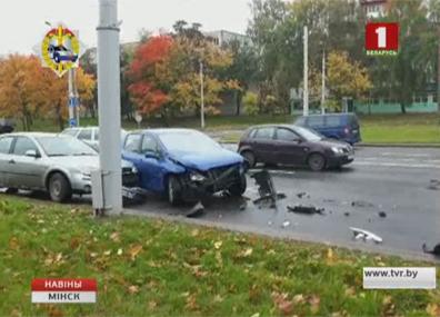 Пробка из-за аварии образовалась на кольцевой у микрорайона Малиновка Затор з-за аварыі ўтварыўся на кальцавой ля мікрараёна Малінаўка