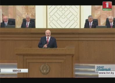А. Лукашенко: В стране должны быть созданы для кандидатов одинаковые условия агитации  А. Лукашэнка: У краіне павінны быць створаны для кандыдатаў аднолькавыя ўмовы агітацыі  Alexander Lukashenko: Equal conditions of propaganda country should  be created in the country