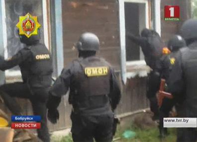 Семейную пару из Бобруйска задержали  за хранение и сбыт наркотиков Сямейную пару з Бабруйска затрымалі  за захоўванне і збыт наркотыкаў