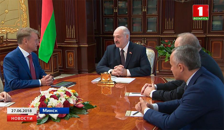 Александр Лукашенко отмечает хороший уровень сотрудничества со Сбербанком Аляксандр Лукашэнка адзначае добры ўзровень супрацоўніцтва з Ашчадбанкам Alexander Lukashenko commends good level of cooperation with Sberbank