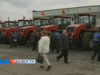 49 тракторов в подарок 49 трактароў у падарунак