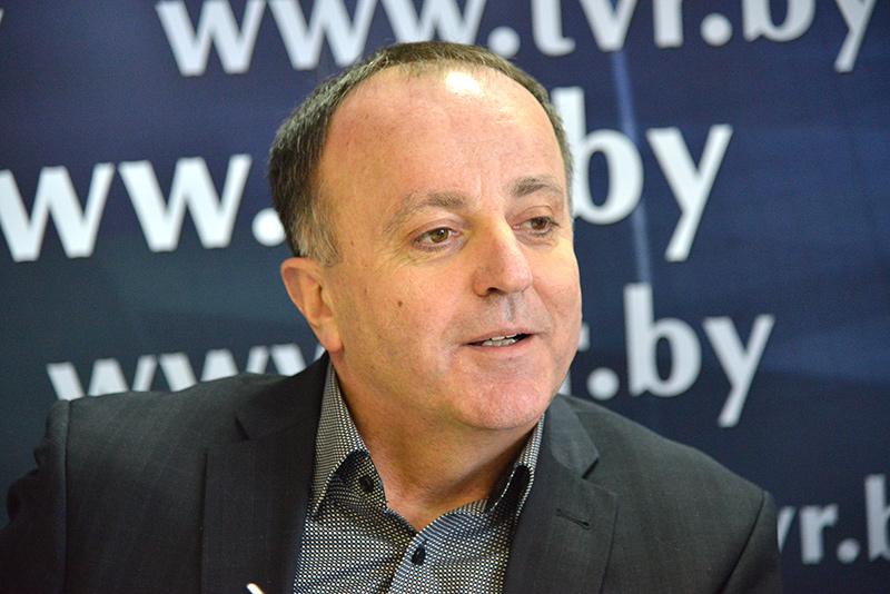 """Онлайн-конференция с главным редактором """"Сельской газеты"""" Сергеем Миховичем"""