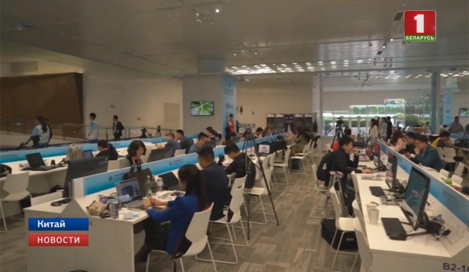 Освещать работу саммита глав государств ШОС будут более трех тысяч журналистов Асвятляць працу саміта кіраўнікоў дзяржаў ШАС будуць больш як тры тысячы журналістаў Over 3,000 journalists to work at SCO summit