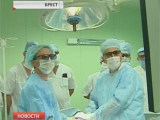 В Бресте провели показательную операцию с использованием 3D-технологии У Брэсце правялі паказальную аперацыю з выкарыстаннем 3D-тэхналогіі Demonstrative surgery using 3D technology held in Brest