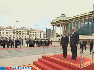 Беларусь и Монголия намерены укреплять экономическое сотрудничество Беларусь і Манголія маюць намер умацоўваць эканамічнае супрацоўніцтва Belarus and Mongolia plan to consolidate economic cooperation