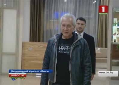 Освобожденные в Ливии белорусские врачи вернулись на родину Вызваленыя ў Лівіі беларускія ўрачы вярнуліся на радзіму