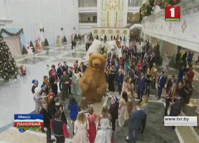 """""""Веселый Новый год"""" во Дворце Независимости"""