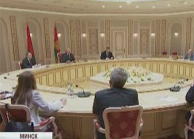 Александр Лукашенко встретился с делегацией американского конгресса Аляксандр Лукашэнка сустрэўся з дэлегацыяй амерыканскага кангрэса Alexander Lukashenko meets with US congressional delegation