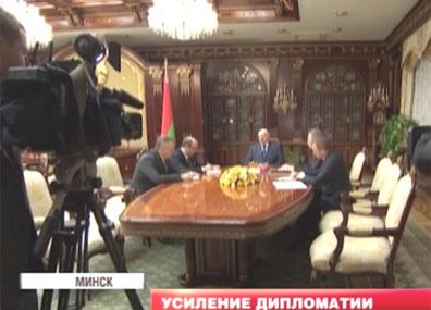 На неделе Александр Лукашенко принял ряд важных кадровых решений На тыдні Аляксандр Лукашэнка прыняў шэраг важных кадравых рашэнняў Alexander Lukashenko makes important personnel decisions