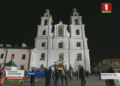 Православные белорусы готовятся отпраздновать Рождество Христово  Праваслаўныя беларусы рыхтуюцца адсвяткаваць Нараджэнне Хрыстовае