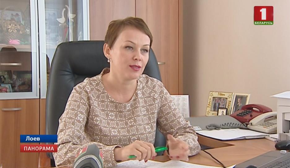 Руководящие должности в Беларуси сегодня занимают около 180 000 женщин Кіруючыя пасады ў Беларусі сёння займаюць каля 180 000 жанчын