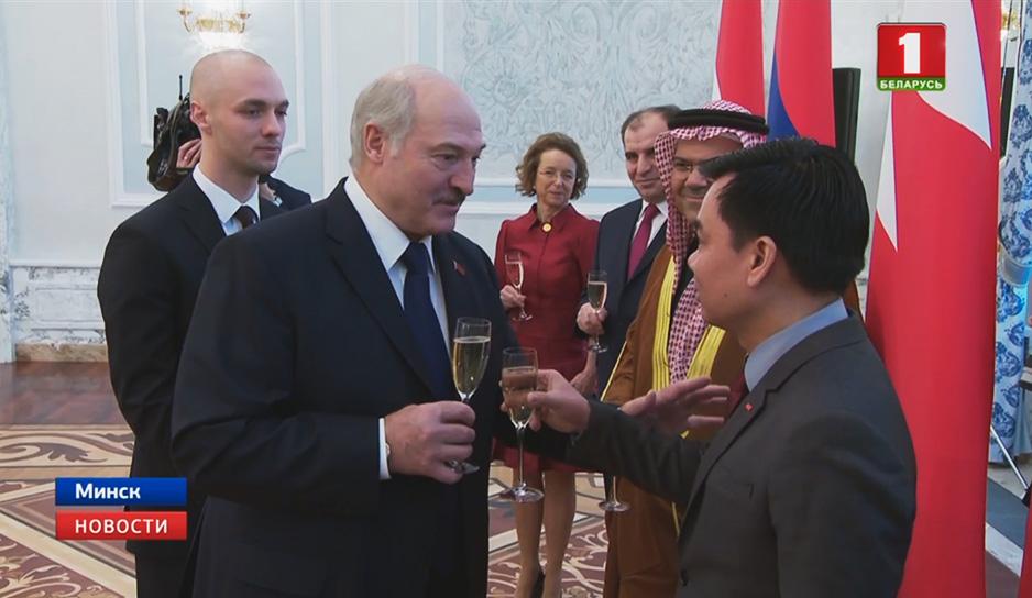 Президент Беларуси принял верительные грамоты послов иностранных государств
