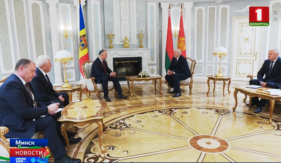 Глава государства встретился с президентом Молдовы Игорем Додоном