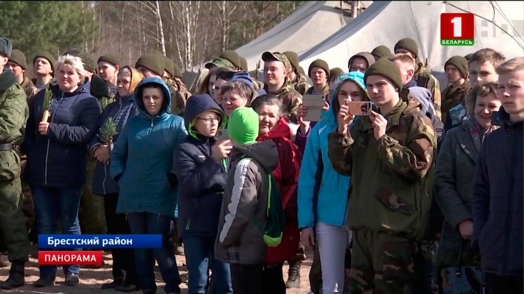 Впервые встречу солдат-срочников с родными организовали на полигоне