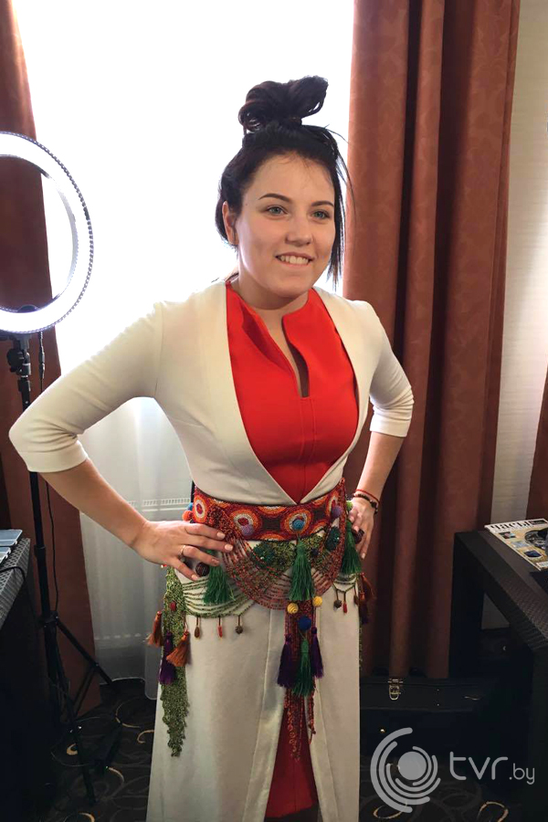 Ксения Жук в платье от стилиста