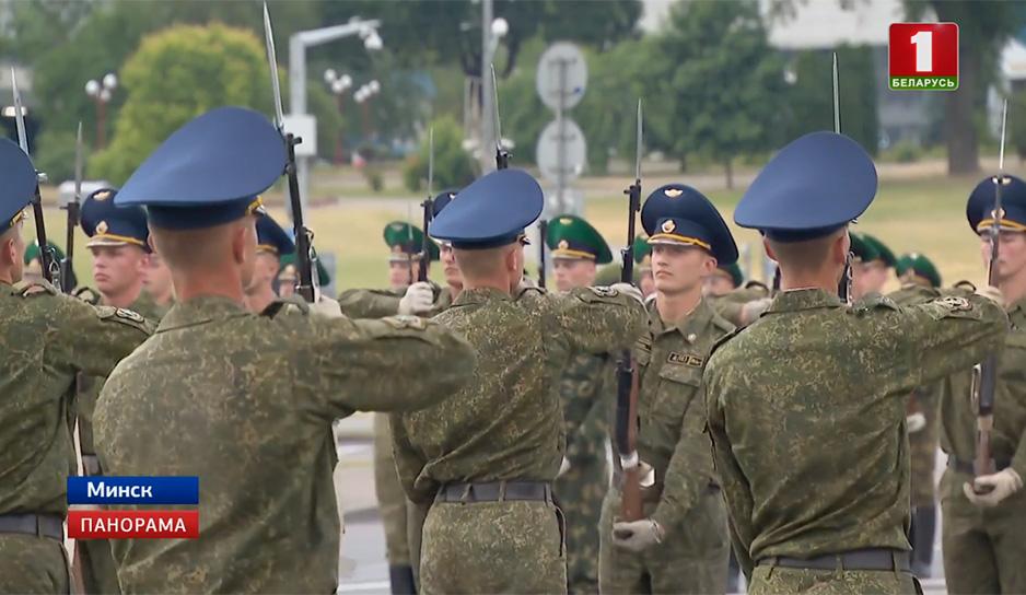 Тренировка роты почетного караула