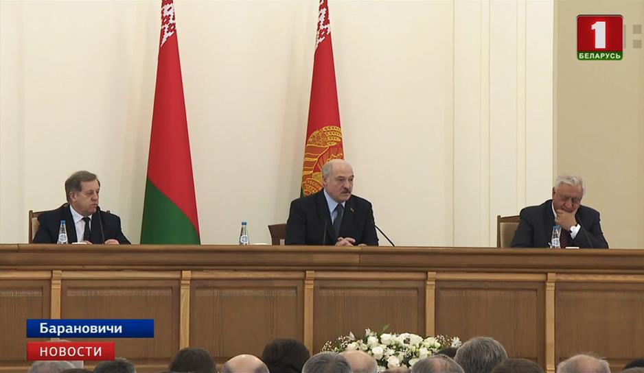 Президент совершает рабочую поездку в Брестскую область