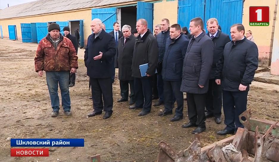 Александр Лукашенко пообщался с работниками комплекса.jpg