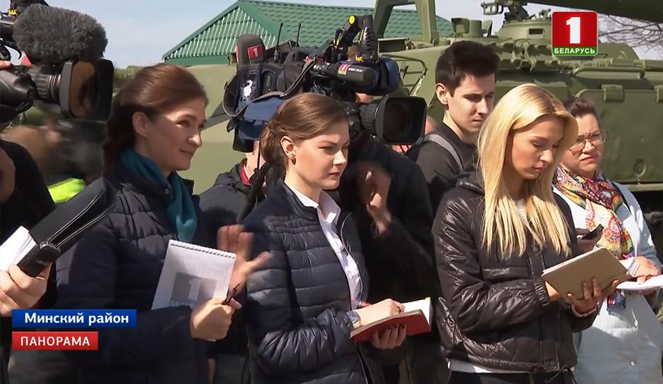 Во время субботника Глава государства ответил на вопросы журналистов.jpg