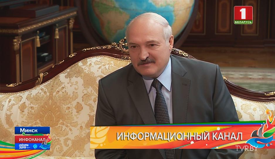Зарубежных политиков во Дворце Независимости приветствует белорусский лидер