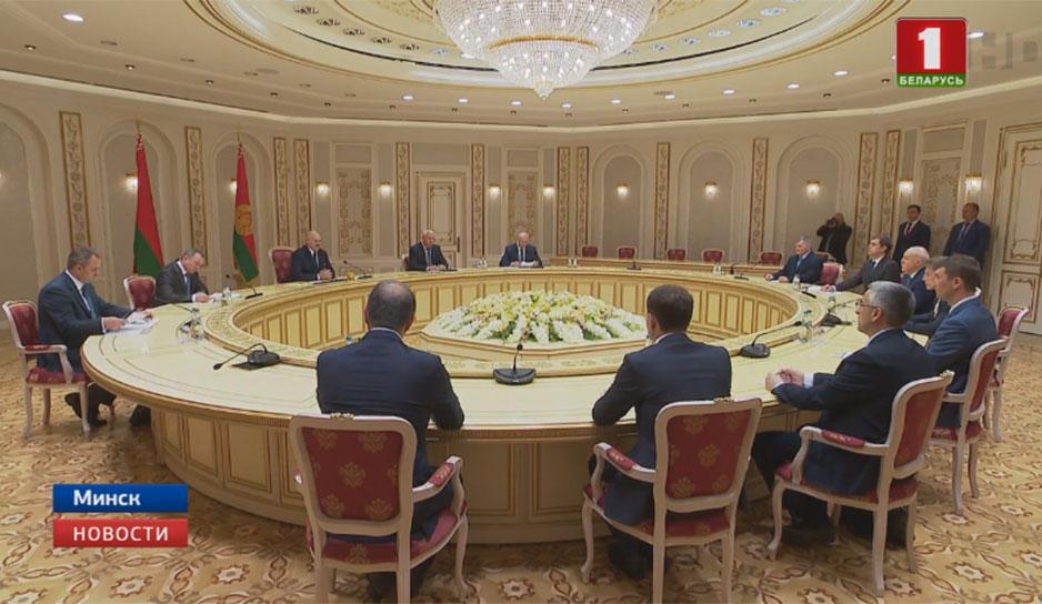 Президент Беларуси встретился с губернатором Приморского края Олегом Кожемяко
