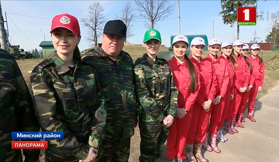 Александр Лукашенко принял участие в республиканском субботнике.jpg