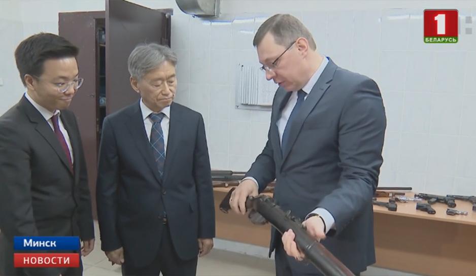 Корейская делегация также оценила высокий уровень в области экспертной науки в нашей стране.jpg