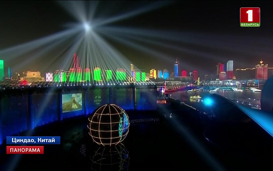 Грандиозное по размаху лазерное и музыкальное шоу с элементами китайского национального театра и боевых искусств