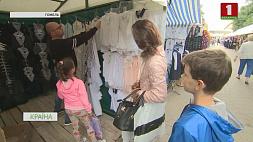 По всей стране на этой неделе стартовали школьные базары Па ўсёй краіне на гэтым тыдні стартавалі школьныя кірмашы