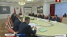 На совещании у Президента обсудили вопросы экономики, научной деятельности и обеспечения занятости населения На нарадзе ў Прэзідэнта абмеркавалi пытаннi эканомікі, навуковай дзейнасці і забеспячэнне занятасці насельніцтва  Alexander Lukashenko discusses draft legal acts