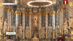 В Фарном костеле в Гродно завершается восстановление одного из 13 алтарей У Фарным касцёле ў Гродне завяршаецца аднаўленне аднаго з 13 алтароў