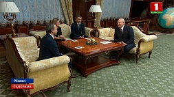 Президент обсудил проведение Всемирной шахматной олимпиады с Аркадием Дворковичем Прэзідэнт абмеркаваў правядзенне Сусветнай шахматнай алімпіяды з Аркадзем Дварковічам