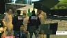 Белорусы несут цветы к посольству Франции в память о погибших в серии терактов Беларусы нясуць кветкі да пасольства Францыі ў памяць аб загінуўшых у серыі тэрактаў Belarusians bring flowers to embassy of France in memory of those killed in series of attacks