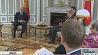 На неделе Президент встретился с Комиссаром ЕС по европейской политике соседства Йоханнесом Ханом На тыдні Прэзідэнт сустрэўся з Камісарам ЕС па еўрапейскай палітыцы суседства Іаханесам Ханам President meets with EU Commissioner for European Neighborhood Policy Johannes Khan