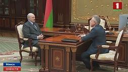 Александр Лукашенко: Предстоящие парламентские выборы  нужно провести достойно и честно  Аляксандр Лукашэнка: Маючыя  адбыцца парламенцкія выбары  трэба правесці годна і сумленна  Aleksander Lukashenko: Upcoming Parliamentary Elections should be held fairly and honestly