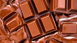 Улицу во Франции затопило шоколадом