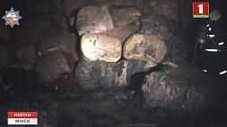 В Борисове спасатели ликвидировали возгорание склада текстильных материалов У Барысаве ратавальнікі ліквідавалі ўзгаранне склада тэкстыльных матэрыялаў