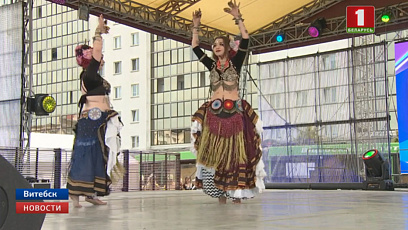 В Витебске на площади Победы проходит международный хореографический фестиваль
