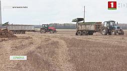 Cельскохозяйственная техника уже вышла на поля Cельскагаспадарчая тэхніка ўжо выйшла на палі