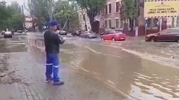 В Одессе ливень подтопил полгорода