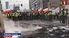 Протесты фермеров парализовали движение на одном из самых загруженных перекрестков Варшавы Пратэсты фермераў паралізавалі рух на адным з самых загружаных скрыжаванняў Варшавы