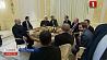 Сегодня в Сочи  продолжатся переговоры Александра Лукашенко и Владимира Путина Сёння ў Сочы  працягнуцца перамовы Аляксандра Лукашэнкі і Уладзіміра Пуціна Alexander Lukashenko and Vladimir Putin to continue talks Friday