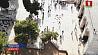 У Храмовой горы  в Иерусалиме сотни демонстрантов бросали камни и стулья в сотрудников спецслужб Ля Храмавай гары  ў Іерусаліме сотні дэманстрантаў кідалі камяні і крэслы ў супрацоўнікаў спецслужбаў