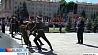 Александр Лукашенко возложил венок к монументу Победы в Минске Аляксандр Лукашэнка ўсклаў вянок да манумента Перамогі ў Мінску Alexander Lukashenko lays wreath to Victory Monument in Minsk
