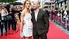 Британский актер Джэйсон Стэйтэм сделал предложение своей возлюбленной Брытанскі акцёр Джэйсан Стэйтэм зрабіў прапанову сваёй умілаванай