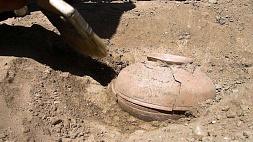 В Китае нашли бронзовый кувшин 2000-летней давности